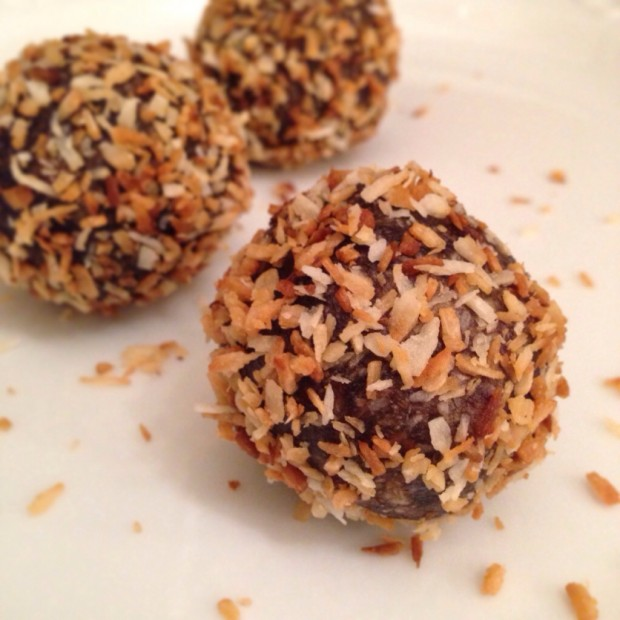 Toasted Coconut and Chocolate Macaroons | Made Simple Paleo